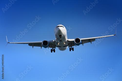 mata magnetyczna Aeroplane approaching airport