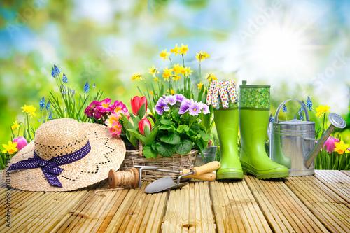 Gamesageddon - Osterglocken, Blumenwiese, Ostern, Frühling ... Die Gartenarbeit Im Fruhling