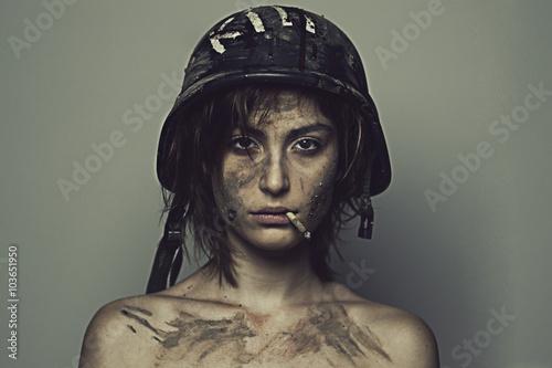 Poster Soldatessa