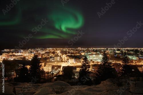 Aluminium Noorderlicht Aurora over Reykjavik