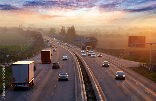 Plakat Traffic on highway with cars.