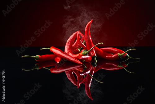 Aluminium Hot chili peppers beam of red chilli pepper