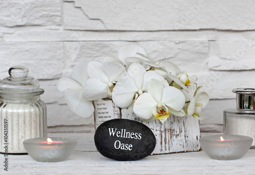 foto auf acrylglas orchideen in palmblattschale nikkel. Black Bedroom Furniture Sets. Home Design Ideas
