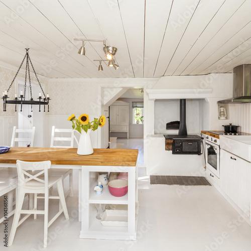 lantligt köksbord : ,köksbord,picknick,sommarstuga,lantligt kök ...