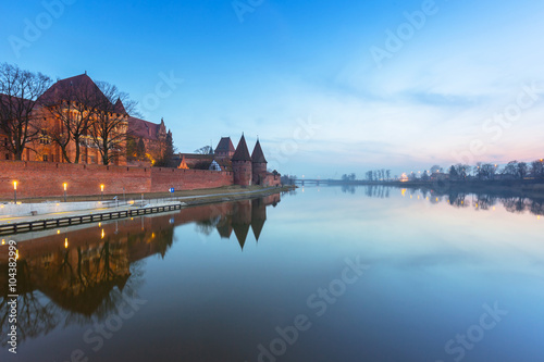 Staande foto India The Castle of the Teutonic Order in Malbork at dusk, Poland
