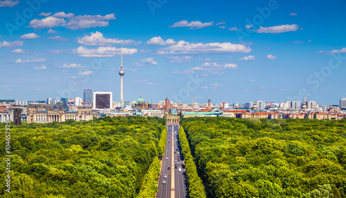 Leinwanddruck Bild Berlin skyline panorama with Tiergarten park in summer, Germany