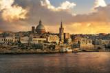 Fototapety  Valletta skyline waterfront at sunset. Malta
