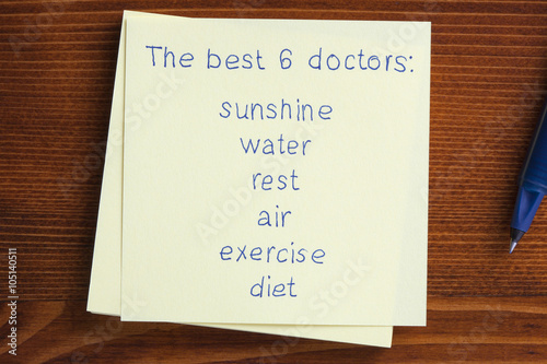 Poster Sticky note with text The best 6 doctors