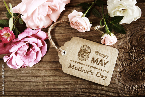 Poster Mothers Day message with small pink roses