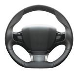 volante auto in fondo bianco - 105824110