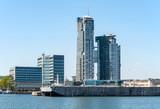 Gdynia, Polska, pejzaż z nabrzeżem portowym i nowoczesnymi budynkami