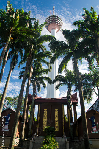 Tuinposter Kuala Lumpur Kuala Lumpur tower and palms Malaysia