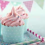 Pink frosted cupcakes - 106091505