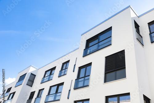 Poster schlichter Neubau, Wohnungen