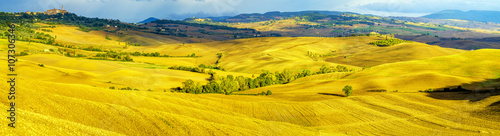mata magnetyczna beautiful, sunny and morning in Tuscany
