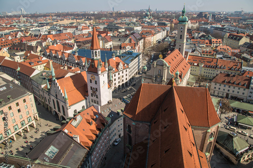 Stadtpanorama von München mit Rathaus und Frauenkirche Poster