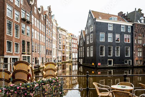 Plakát, Obraz Krásný výhled na Amsterdam kanály s mostem a typické holandské