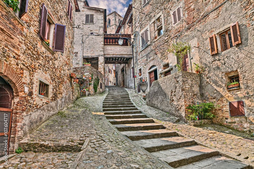 Fototapeta alley in the village Anghiari in Arezzo, Tuscany, Italy