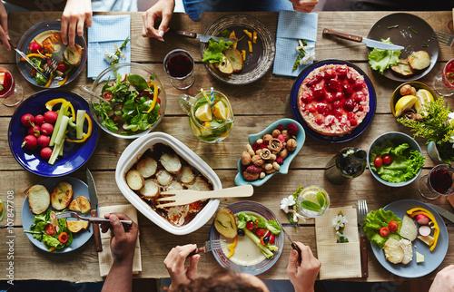 Eating dinner - 107847708