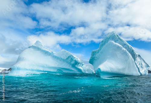 Fotobehang Antarctica Snow and ices of the Antarctic islands