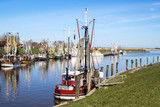 Landschaften Ostfriesland, Fischerdorf Greetsiel mit ihren Krabbenfischern