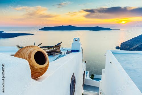 Zdjęcia na płótnie, fototapety na wymiar, obrazy na ścianę : Sunset on Santorini and view of volcanic caldera, Santorini, Cyclades, Greece