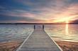 der Weg ins Meer, langer Steg ins Wasser