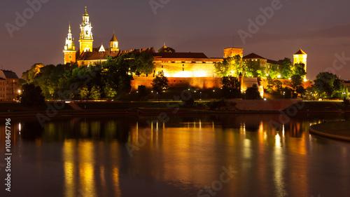 Fototapeta Wawel Hill above Vistula River in Krakow at night