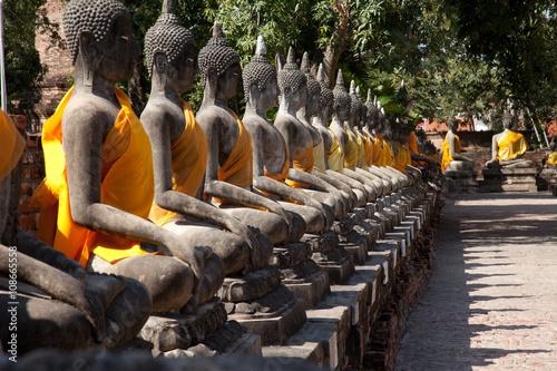 Papiers peints Buddha Alignement de Bouddha - Ayuttaya - Thailande