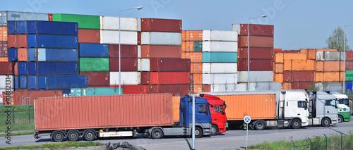 Aluminium Logistik - Container und LKW´s // shipping