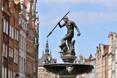 Zdjęcia na płótnie, fototapety na wymiar, obrazy na ścianę : Fountain of the Neptune in old town of Gdansk