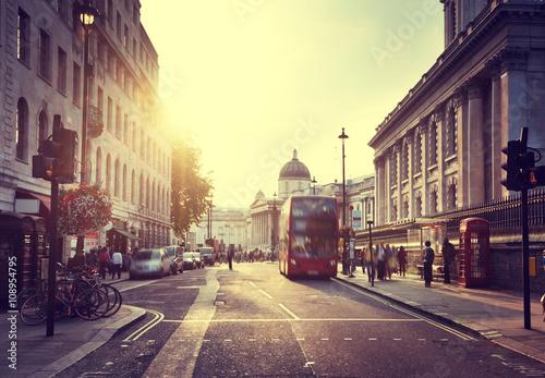 Zdjęcia na płótnie, fototapety, obrazy : sunset near Trafalgar square, London, UK