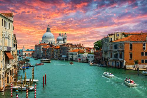 mata magnetyczna Grand Canal and Basilica Santa Maria della Salute .Venice.Italy