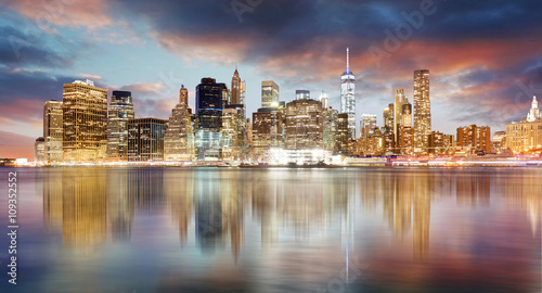 Foto op Canvas Praag New York city skyline at sunrise with reflection.