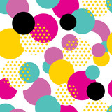 Seamless geometric pattern in retro 80s style. Pop art circle pattern on white background.