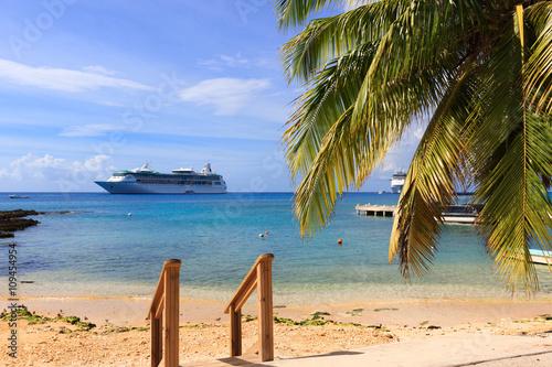 Caribbean sea, Grand cayman, cruise ship on the background