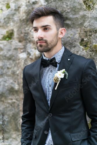 Poster Sexy man in tuxedo posing