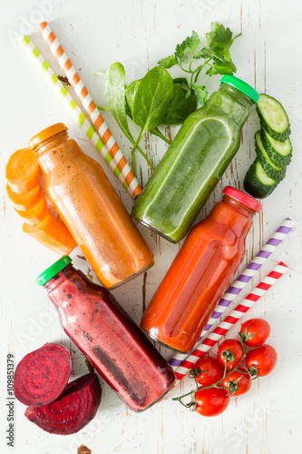 mata magnetyczna Selection of colorful vegetable juices in glass jars