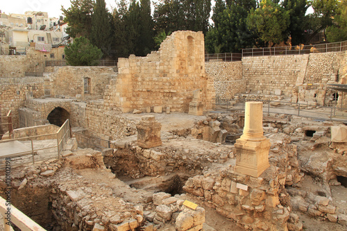 Poster Excavated archeological ruins of the Pool of Bethesda and Byzantine Church