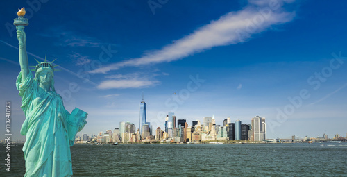 Poster Chicago new york cityscape, tourism concept photograph statue of liberty, lower manhattan skyline