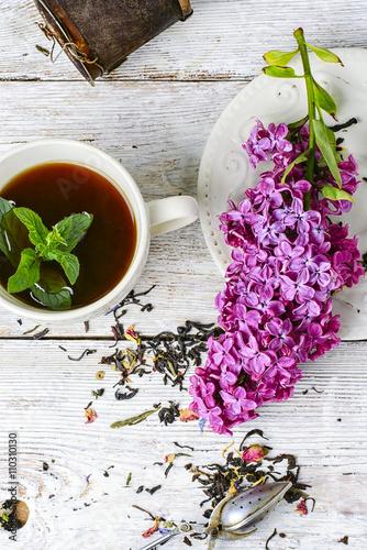Zdjęcia na płótnie, fototapety, obrazy : Custard tea and lilac