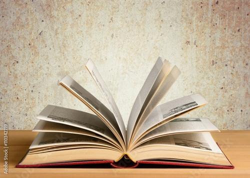 Zdjęcia na płótnie, fototapety, obrazy : Book.
