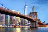 Fototapety Brooklyn bridge and WTC Freedom tower at night, New York