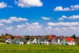 Siedlung mit Einfamilienhäusern - 110774769