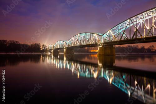 Fototapeta Toruń - miasto nocą