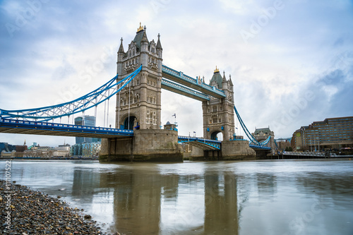 Fototapeta London, UK - The world famous Tower Bridge in the morning