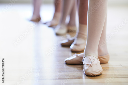 Plakát, Obraz Close Up Of Feet In Children's Ballet Dancing Class
