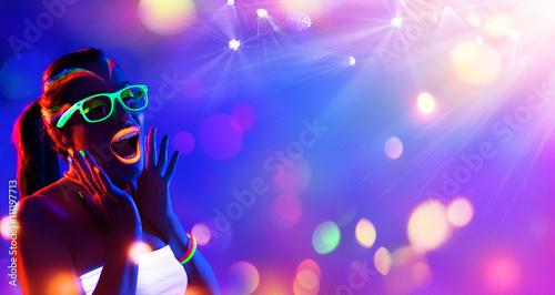 Zdjęcia na płótnie, fototapety, obrazy : Disco Woman With Neon Makeup - Young Scream In Night Club