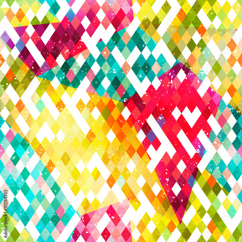Triangle seamless pattern with grunge effect © gudinny