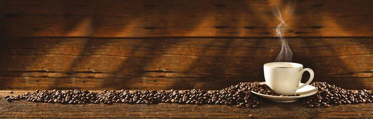 Filiżanka i ziarna kawy © Dawid K